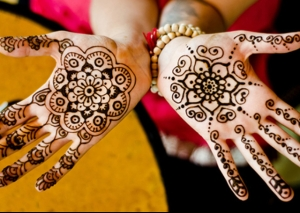 Simple-Mehandi-Design-Intro