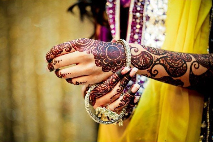 Latest-Arabic-Mehndi-Designs-For-Hands-Bridal Image.jpg